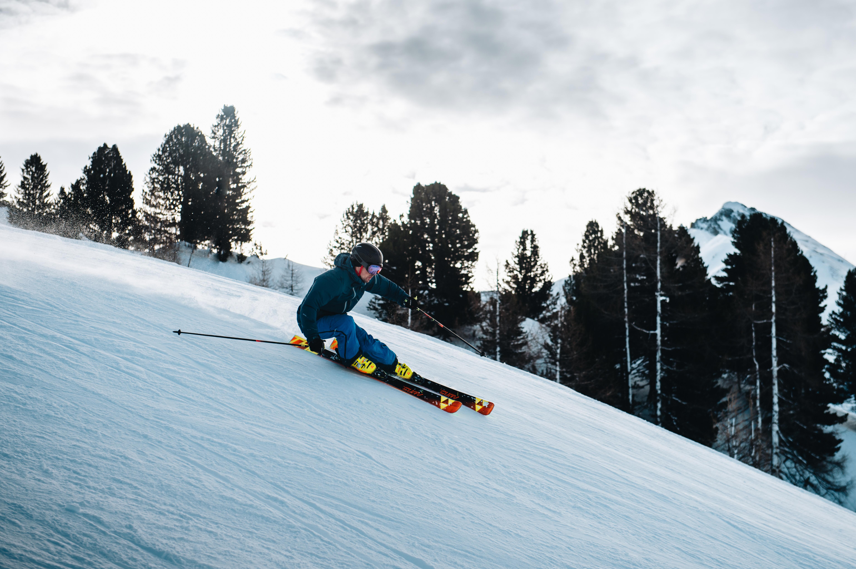 U lyží rozoznávame niekoľko základných parametrov  76378992ce1